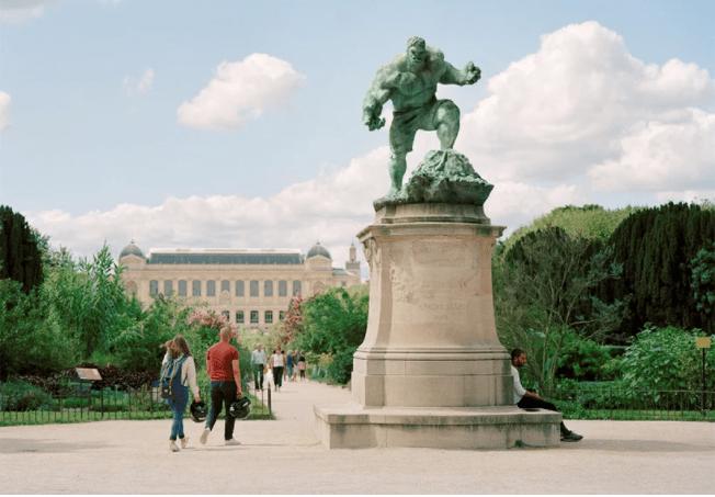 Μνημεία» του Παρισιού, ήρωες της ποπ κουλτούρας - The President