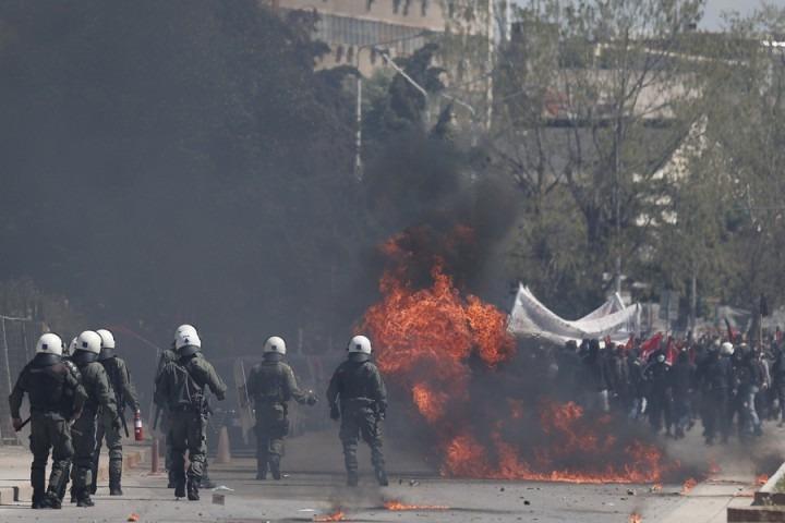 Θεσσαλονίκη: Επεισόδια στη λήξη της φοιτητικής πορείας