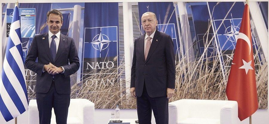 """Ολοκληρώθηκε η συνάντηση Μητσοτάκη - Ερντογάν - Ο """"πάγος έσπασε"""""""