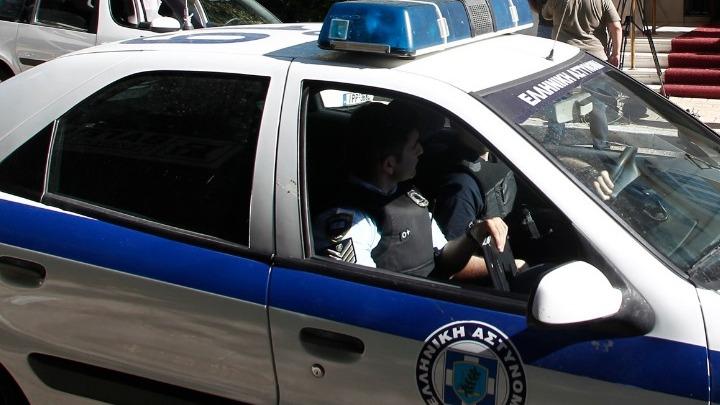 Επίθεση στον σταθμάρχη: Συνελήφθησαν δύο ανήλικοι κι ένας αστυνομικός